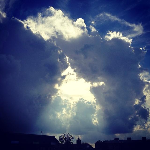 The sun needed a gloryhole...