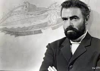 Rewatching 20,000 Leagues Under the Sea and I forgot how, er, sexy James Mason as Captain Nemo was in that roll.